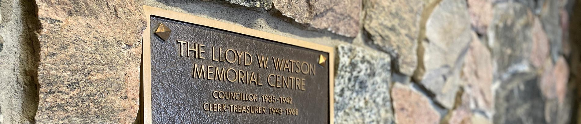 A close up shot of the memorial plaque at the Lloyd Watson Centre in Wilberforce.